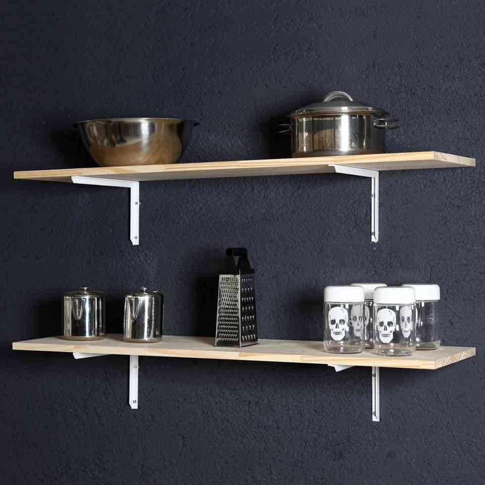 Linha pinus em cozinha.
